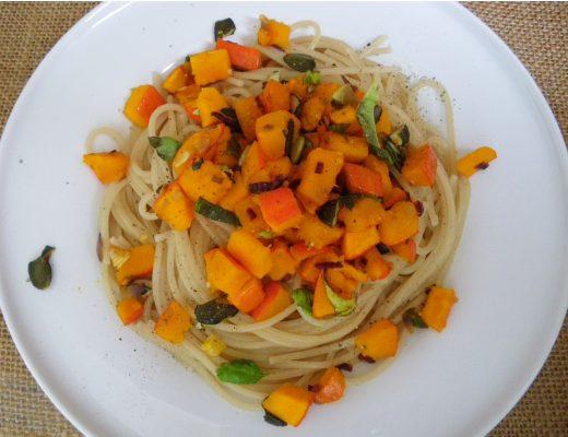 Rezepte - Pasta & Gemüse - Pasta mit Kürbis - clean eating, vollwertig, glutenfrei & vegan