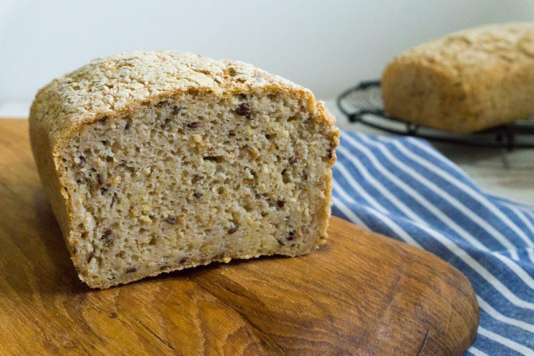 Rezepte - Brot - helles Mehrkornbrot - glutenfrei & veagn - clean baking