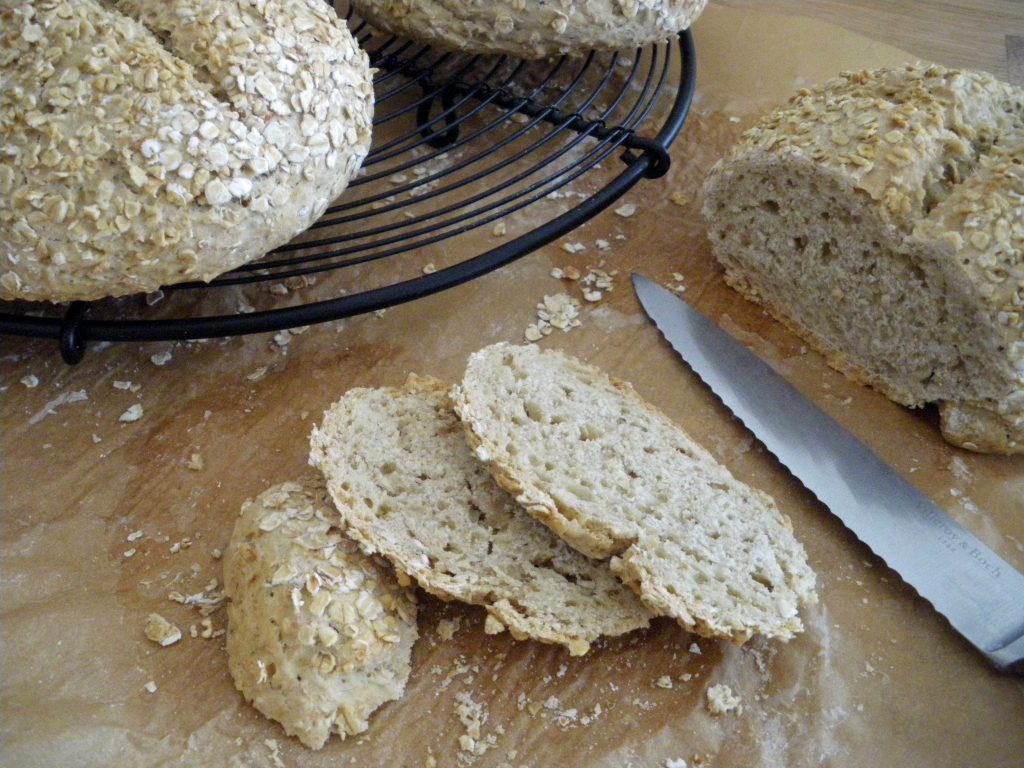Rezepte - Brot - Haferflockenbrot - weizenfrei - vegan - backen