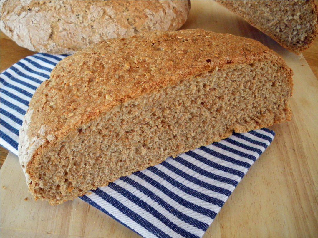 Rezepte -Brot - UrDinkel Sesam Brot - weizenfrei backen