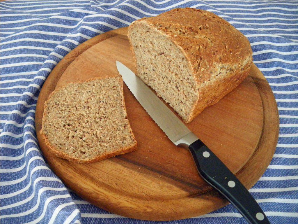 Rezepte - Brot - Ur-Dinkelbrot mit Flohsamen - vegan & weizenfrei