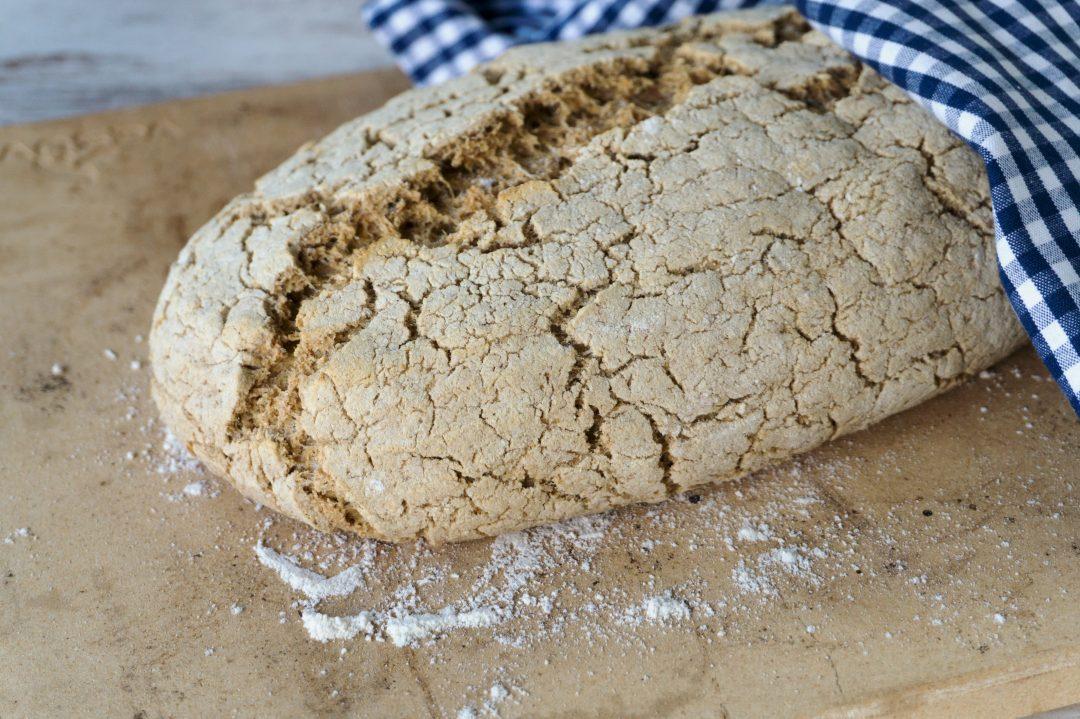 Rezepte - Brot - helles Landbrot - Haferflocken - glutenfrei - vegan - clean baking - ohne Stärkemehl